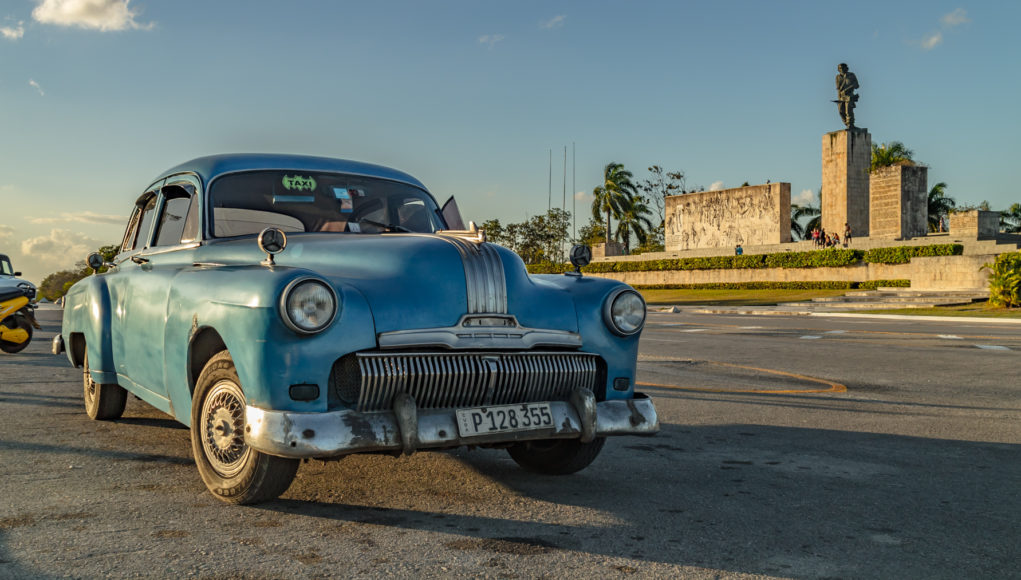 Che_Mausoleo_front_car